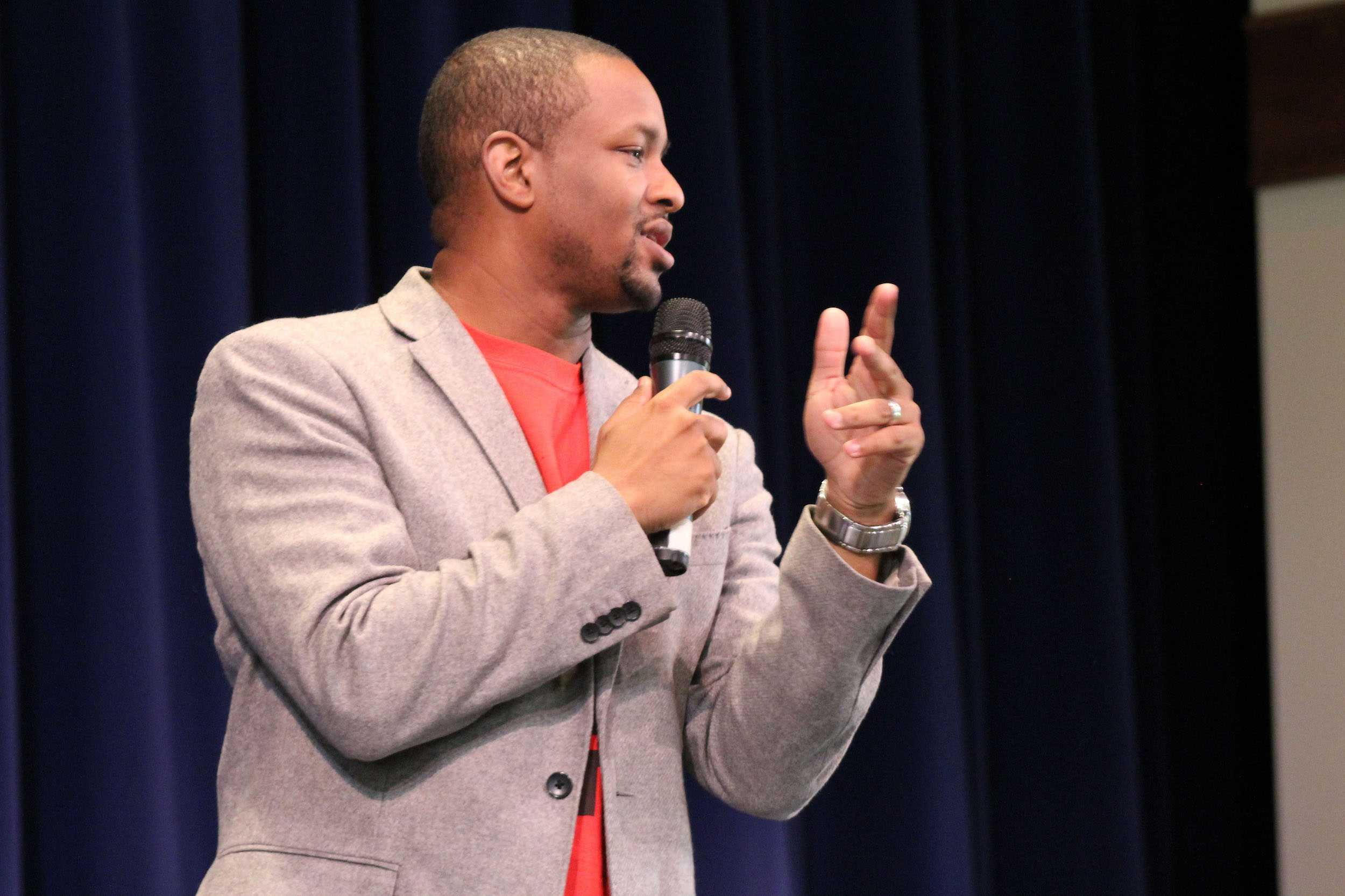 Speaker Laymon Hicks brings his motivational speech to a high school audience in Keōpūolani, Tuesday, Jan. 10. Hicks conveyed his message through his lively character and relatable personal stories.