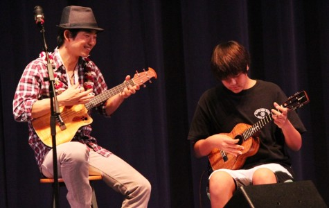 Jake Shimabukuro holds open workshop