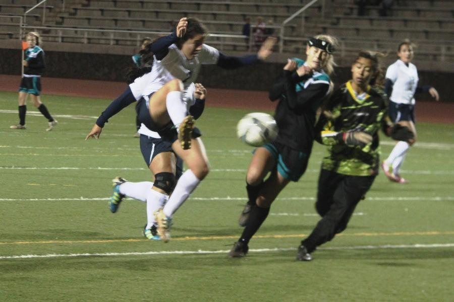 Varsity girls soccer puts freeze on Kekaulike, 1-0