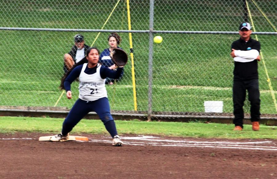 Maui Warrior Softball takes loss against King Kekaulike