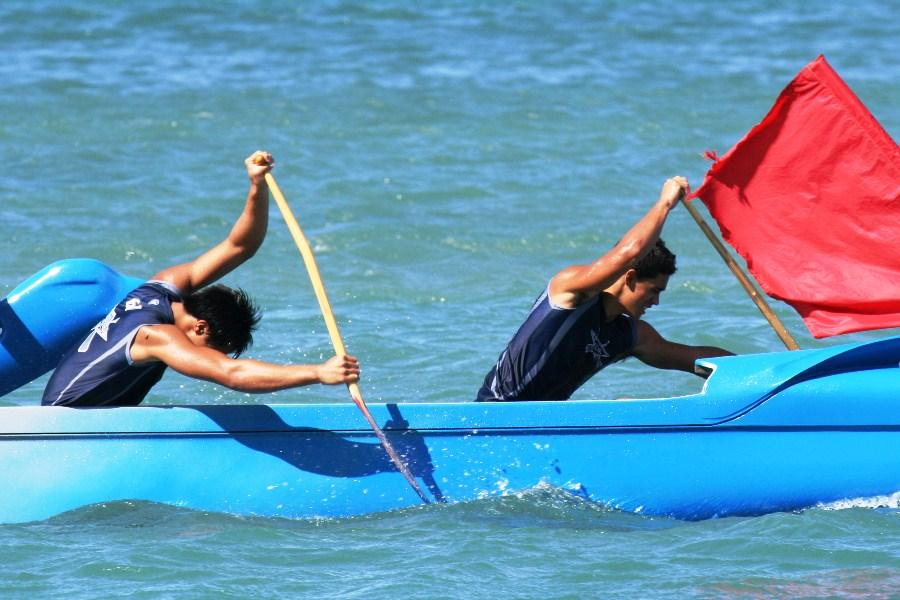 KSM paddlers endure rough conditions at first MIL regatta