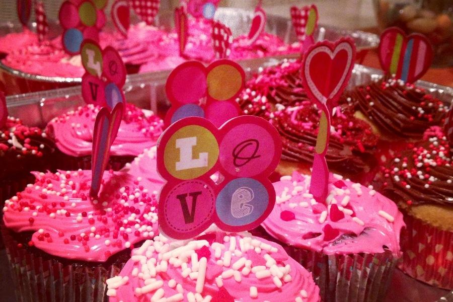 Senior+Hope+Ostermiller+made+these+cupcakes+to+celebrate+Valentine%27s+Day+2013.+No+Valentine+treat+would+be+complete+without+pink%2C+red%2C+and%2C+of+course%2C+hearts%21