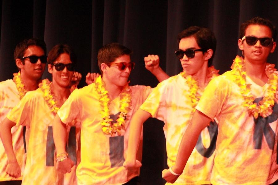 Senior+Boys+Cheer%2C+September+11%2C+2013+Web