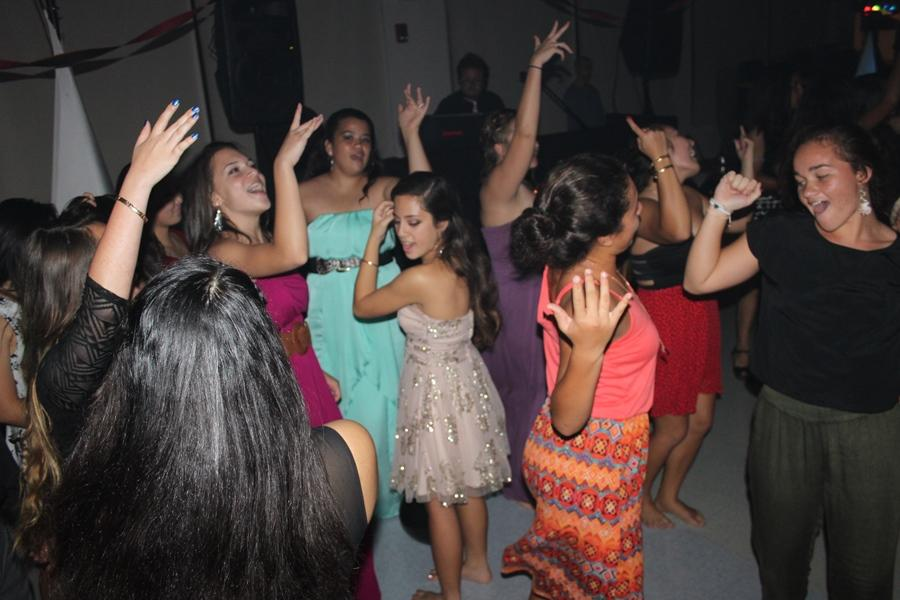 The+dance+floor+filled+up+as+the+night+went+on%2C+and+everyone+had+a+blast+at+the+freshman+banquet%2C+Scarlet+Rose%2C+February+22%2C+at+Ke%CA%BBeaumokup%C4%81p%C4%81iaheahe.
