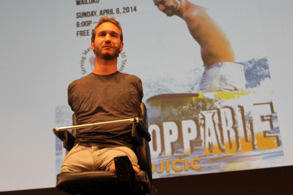Australian+Nick+Vujicic%2C+a+man+with+no+arms+or+legs%2C+spoke+at+Kamehameha+Schools+Maui+today%2C+April+4%2C+2014%2C+at+Ke%C5%8Dp%C5%ABolani+Hale.+His+message+included+being+open+to+the+truth%2C+loving+Jesus%2C+and+being+respectful+to+women+and+people.