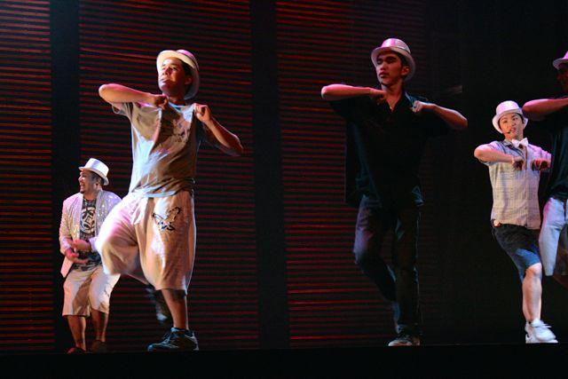 Shane+Borge+%28%2714%29+%28right%29+dances+alongside+cast+members.