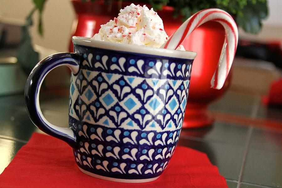 Peppermint+hot+cocoa+is+a+great+way+to+spice+up+a+holiday+favorite.