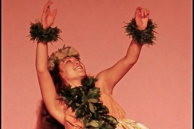 Leimakamae+Kea+perfoms+her+hula+kahiko+at+the+Hula+O+N%C4%81+Keiki+competition+at+Ka%CA%BBanapali+Bech+Hotel%2C+November+14-15%2C+2014.+Kea+was+crowned+Miss+Hula+O+N%C4%81+Keiki.