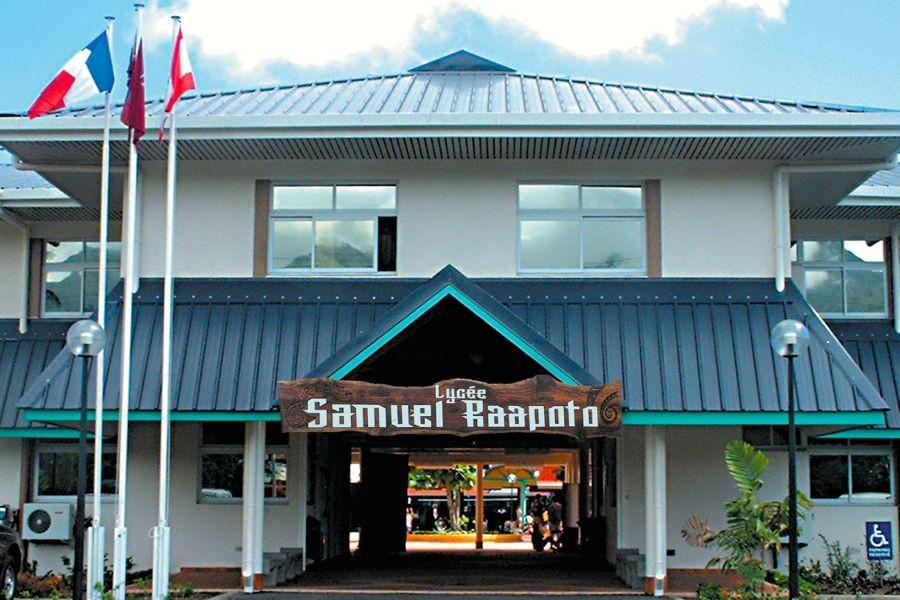 Samuel Raapoto High School was named after Reverend Samuel Raapoto who was the first president of the Evangelical Church in Tahiti. Students of the Art and Design section of the school will be visiting Kamehameha Maui beginning February 9.