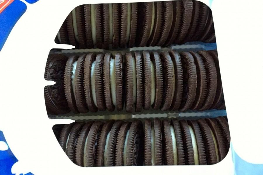 In+1975%2C+Nabisco+released+Double+Stuf+Oreos.+In+1987%2C+they+introduced+Fudge+covered+Oreos.