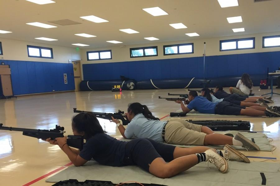 In+air+riflery%2C+competitors+fire+at+targets+in+three+positions%2C+prone+%28pictured%29%2C+kneeling+and+standing.
