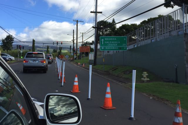 Since+October+14th%2C+cones+have+been+cutting+off+access+to+the+right+lane+%28heading+toward+King+Kekaulike%29+of+Old+Haleakala+Highway.