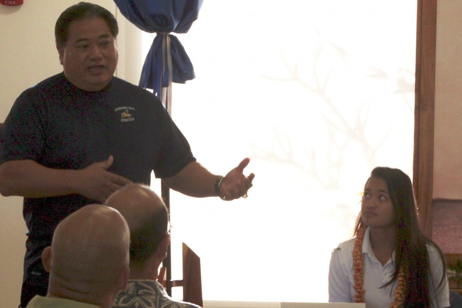 Mr.+Afoa+explains+the+process+of+the+transition+from+high+school+to+college+athletics.