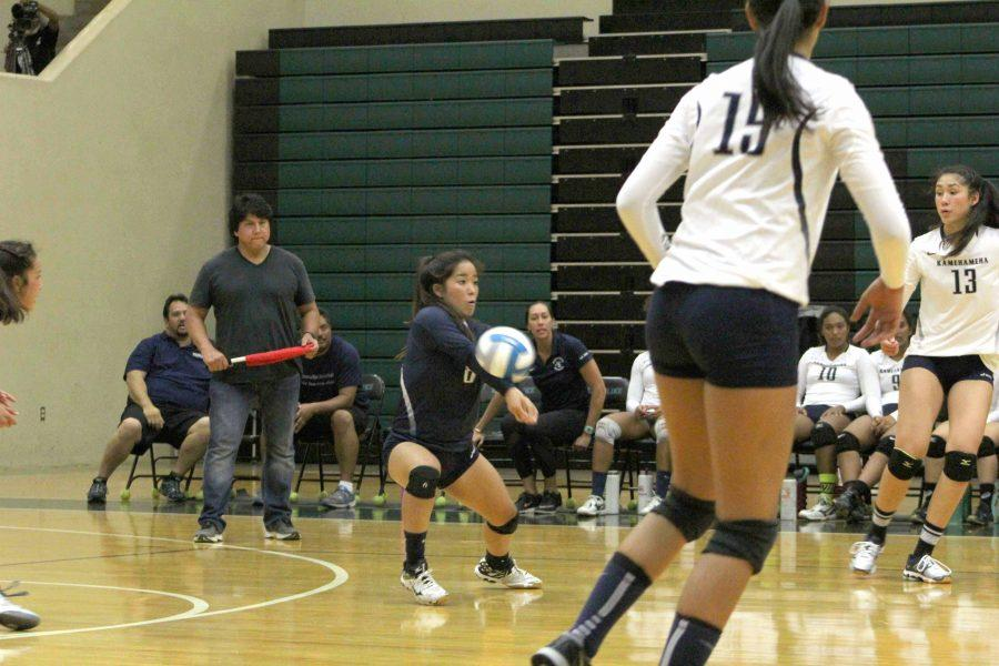 Senior+Kayla+Kanemitsu+digs+the+ball+during+the+girls+volleyball+0-3+loss+on+Thursday+at+King+Kekaulike+High+School.