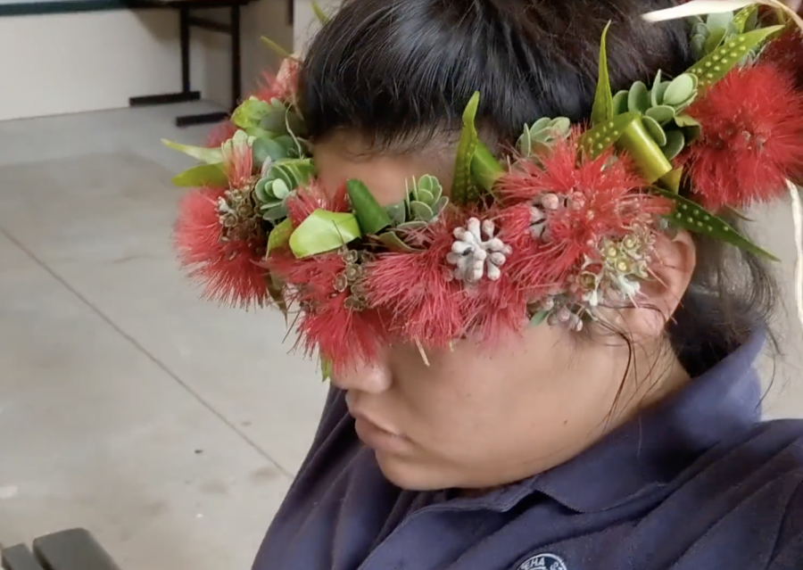 Watch our tutorial for instructions on how to make a simple haku lei poʻo.