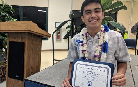 Senior Austin Peters is recognized with the Most Scholarly Athlete Award May 16 at Keʻeaumokupāpaʻiaheahe Dining Hall. One of four valedictorians for the Class of 2018 Kap Papa Lama, Peters was named valedictorian, and it has been a life-long goal for him.