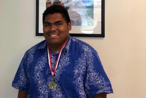 Senior Micah Au-Haupu brings home state gold in the boys shot put competition.