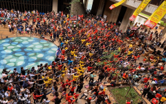 Hundreds gather at the Hawaiʻi State Legislature for its opening day and the Hawaiʻi Rising event, Wednesday, Jan. 15. Hawaiian leaders made speeches to educate the community on what they can do to be a part of the political process and have a voice in practices and policies that affect Hawaiʻi.
